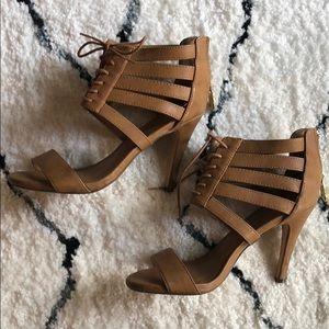 Lace up heeled sandal.